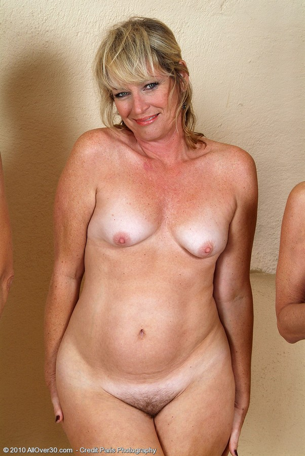 голые возрасте женщины фото в на